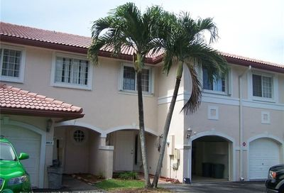 8953 NW 38th Dr Coral Springs FL 33065