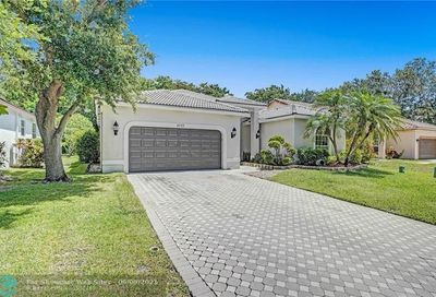5711 NW 56th Manor Coral Springs FL 33067