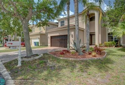 5228 NW 112th Ter Coral Springs FL 33076