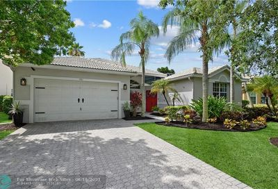 4961 NW 115th Ter Coral Springs FL 33076