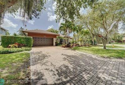 6302 NW 42nd Ter Coconut Creek FL 33073