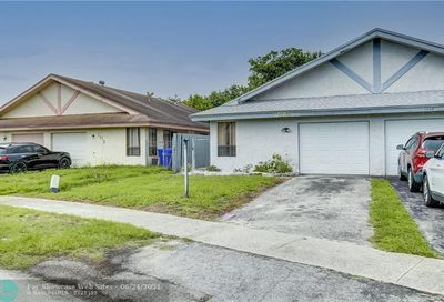 1210 SW 74th Ave North Lauderdale FL 33068