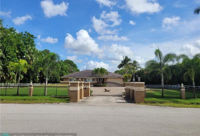 14631 Mustang Trl Southwest Ranches FL 33330