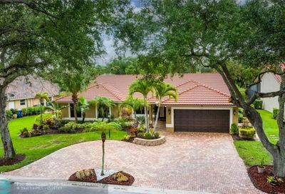 5264 NW 89th Dr Coral Springs FL 33067