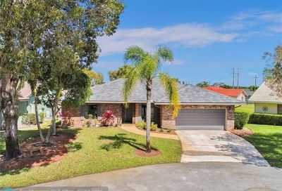 7009 NW 40th Ct Coral Springs FL 33065