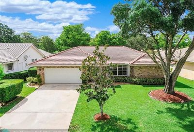4315 NW 70th Ln Coral Springs FL 33065