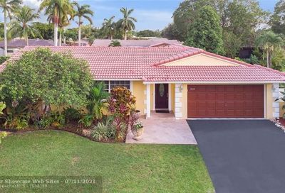 10540 NW 43rd Ct Coral Springs FL 33065