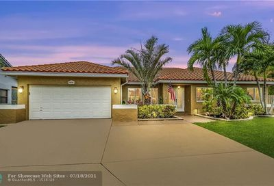 5636 NW 64th Ter Coral Springs FL 33067