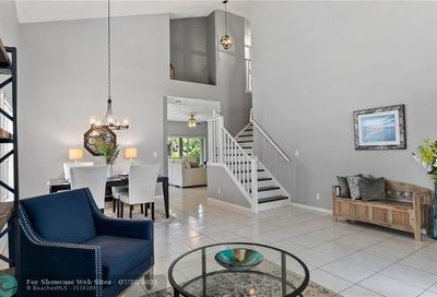 8541 NW 57th Dr Coral Springs FL 33067