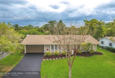 7511 NW 40th Pl Coral Springs FL 33065