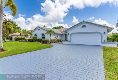 8648 NW 57th Ct Coral Springs FL 33067