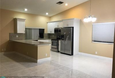 9555 NW 25th Ct Coral Springs FL 33065