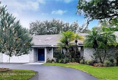 8520 NW 49th Dr Coral Springs FL 33067