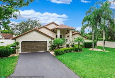 4613 NW 100th Terr Coral Springs FL 33076
