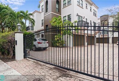1344 Bayview Dr Fort Lauderdale FL 33304