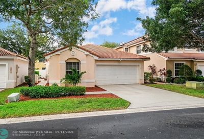 10812 NW 46th Dr Coral Springs FL 33076