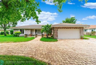 2098 NW 102nd Ter Coral Springs FL 33071