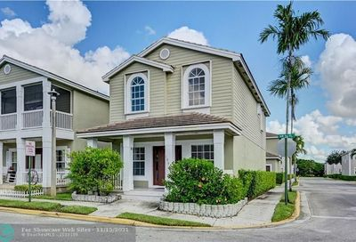 10549 NW 56th Pl Coral Springs FL 33076