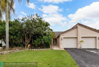 460 NW 98th Ter Coral Springs FL 33071