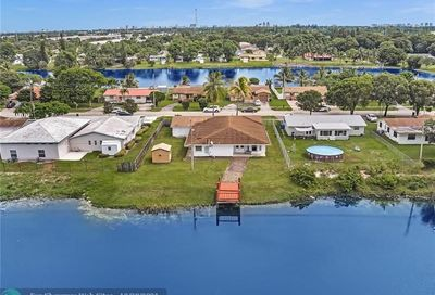 2771 NW 26th Ave Oakland Park FL 33311