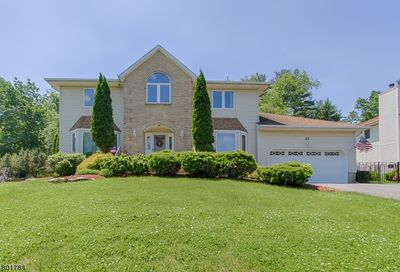 12 Worcester Ct Parsippany-Troy Hills Twp. NJ 07054-9608