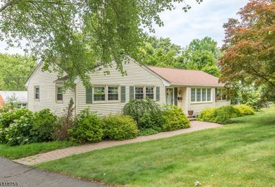 3 Queen St Parsippany-Troy Hills Twp. NJ 07054-4826