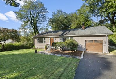 12 Ford Hill Rd Hanover Twp. NJ 07981-1817