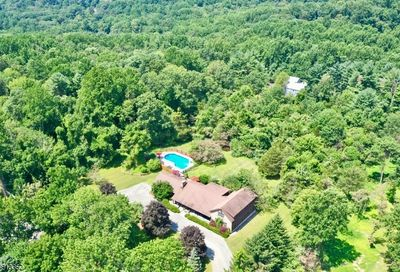 335 Fox Chase Rd Chester Twp. NJ 07930-3117
