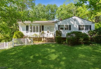 33 Campbell Ln Berkeley Heights Twp. NJ 07922-1801