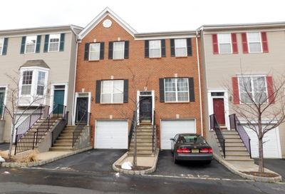 16 Ashby Ln Newark City NJ 07103-3198