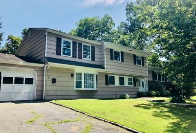 1 Shady Ln Morristown Town NJ 07960-5582