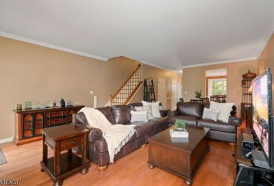 517 Coventry Dr Nutley Twp. NJ 07110-3950