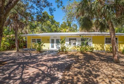 5208 Winding Way Sarasota FL 34242