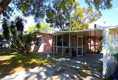 608 Lincoln Avenue Dundee FL 33838