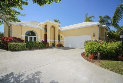 7742 Club Lane Sarasota FL 34238