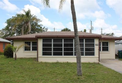 2208 Avenue B Bradenton Beach FL 34217