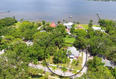 3102 Riverview Boulevard Bradenton FL 34205