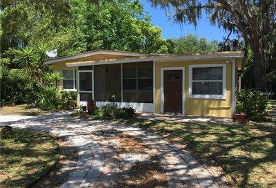 110 12th Avenue N Safety Harbor FL 34695