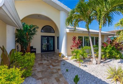 223 Palm Island SW Clearwater Beach FL 33767