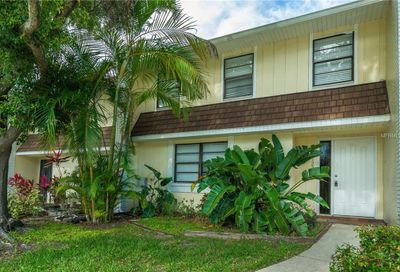 1225 Abbey Crescent Lane Clearwater FL 33759