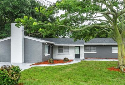 1330 Stately Oaks Drive NW Winter Haven FL 33881