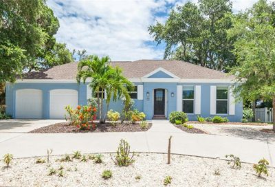 704 Tropical Circle Sarasota FL 34242