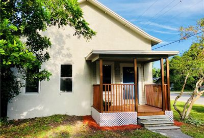 2102 11th Street W Bradenton FL 34205