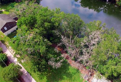 950 Lake Cove Trail Lakeland FL 33813