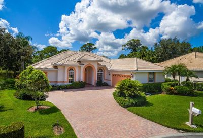 5213 Far Oak Cir Sarasota FL 34238