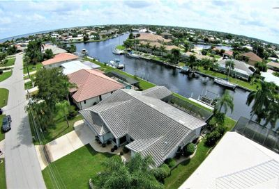 2421 Palm Tree Drive Punta Gorda FL 33950