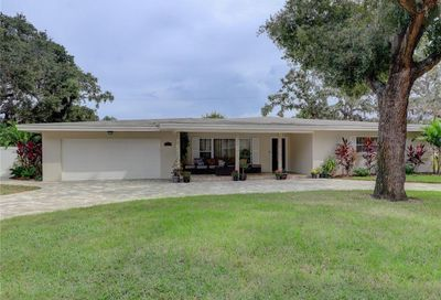 307 Live Oak Lane Largo FL 33770