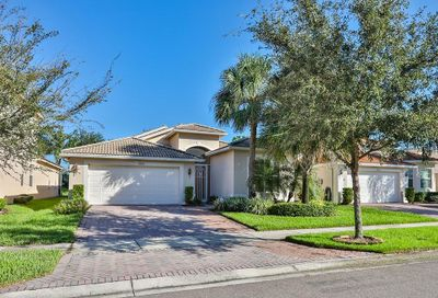 4942 Sandy Brook Circle Wimauma FL 33598