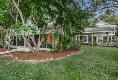 326 Bay Street Palm Harbor FL 34683