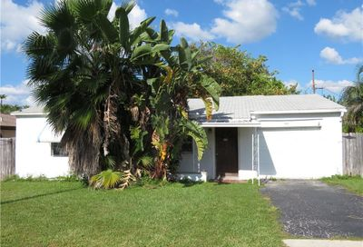 16113 2nd Street E Redington Beach FL 33708